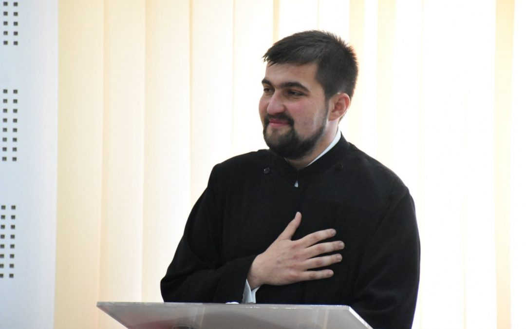 """Ieromonah Maxim Morariu: """"Radio Renaşterea sau sufletul pe """"calea undelor"""""""""""