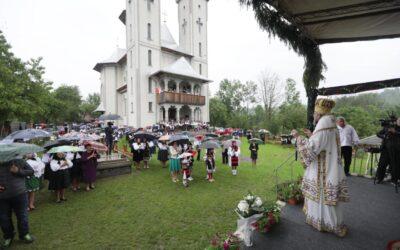 Biserica nouă a parohiei maramureșene Breb, târnosită în Duminica Sfinților Români