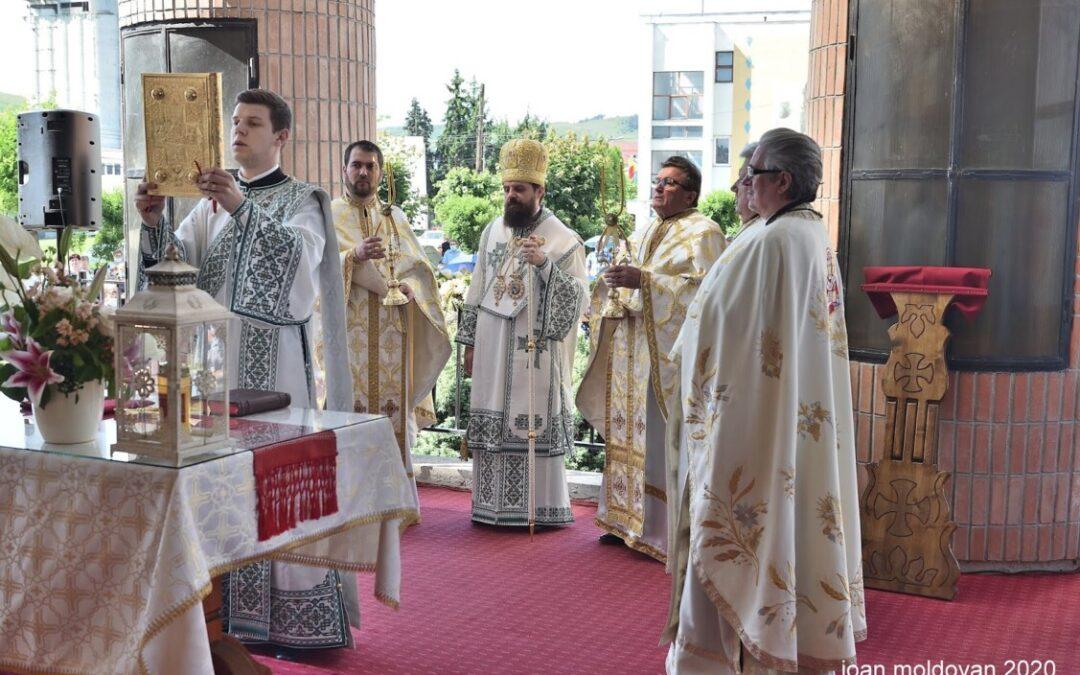 Preasfințitul Benedict Bistrițeanul, la hramul Parohiei Gherla III