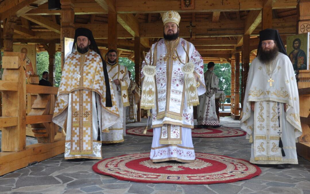 Hramul de vară al mănăstirii sălăjene Bobota, sărbătorit în prezența  Preasfințitului Petroniu