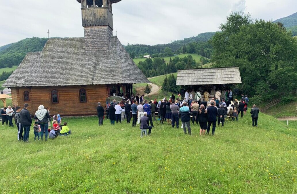 Binecuvântare arhierească în satul bistrițean Iliuța Bozghii