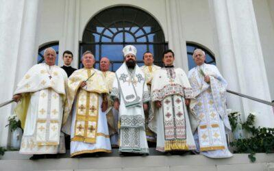 Duminica Rusaliilor, prăznuită în cartierul clujean Mănăștur, în prezența Episcopului-vicar Benedict Bistrițeanul