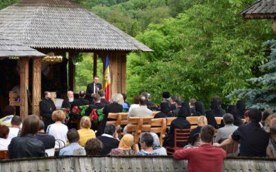 """Președintele Academiei Române, la Tăuți: """"Educația patriotică în familie și școală, temei al iubirii universale"""""""