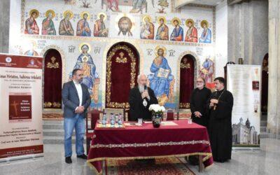 """Slujba Vecerniei și lansare de carte, la Biserica """"Sfinții Apostoli Petru și Pavel"""" din cartierul clujean Mănăștur"""