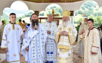 Sf. Ap. Petru și Pavel, ocrotitorii spirituali ai Mănăstirii Rebra-Parva, sărbătoriți în prezența Înaltpreasfințitului Andrei