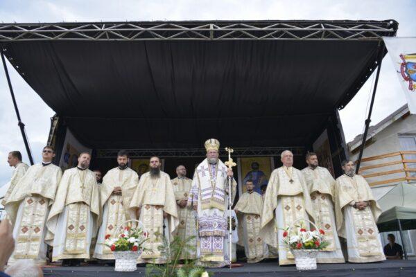 Sfințirea picturii bisericii din parohia maramureșeană Valea Satului – Strâmtura