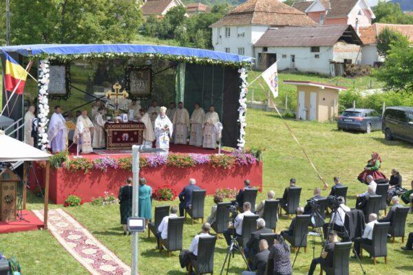 Resfințirea bisericii parohiei Moișeni, Protopopiatul Oaș