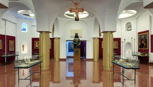 """Statuia domnitorului Ștefan cel Mare și Sfânt – """"Exponatul lunii Iulie"""" la Muzeul Mitropoliei Clujului"""