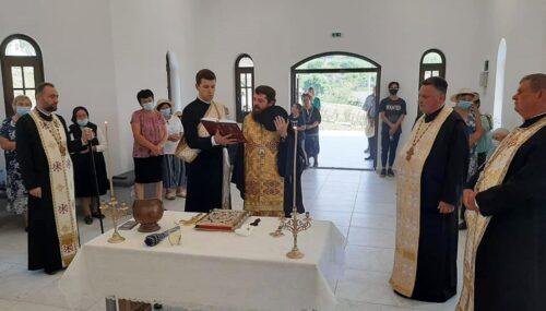 PS Părinte Benedict Bistrițeanul, în mijlocul credincioșilor din Gădălin