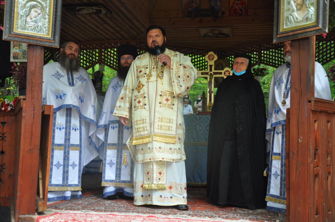 """Mănăstiea sălăjeană """"Sfânta Maria – Rus"""" și-a serbat hramul în prezența a sute de credincioși"""