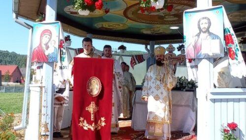 Lucrările efectuate la Biserica din Dumbrăveni, binecuvântate de Episcopul-vicar Benedict Bistrițeanul