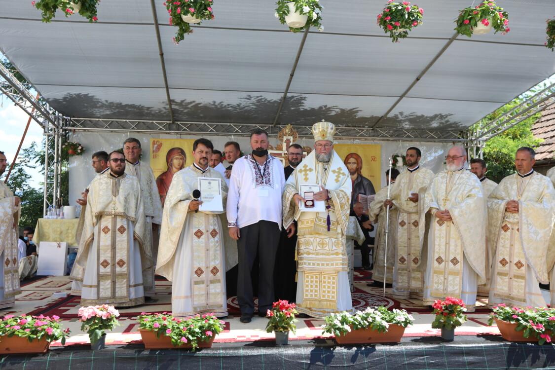 Preasfințitul Părinte Iustin a târnosit biserica din Iojib, Protopopiatul Satu Mare