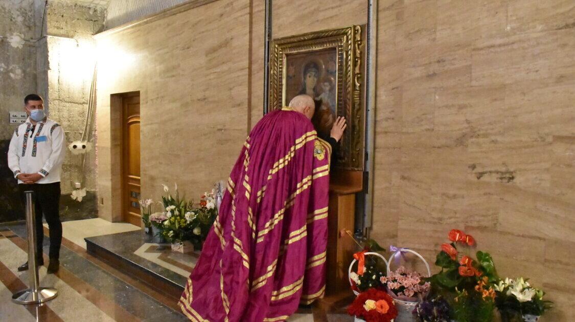 Mitropolitul Andrei a sosit la Mănăstirea Nicula, unde va oficia slujbele cu prilejul hramului