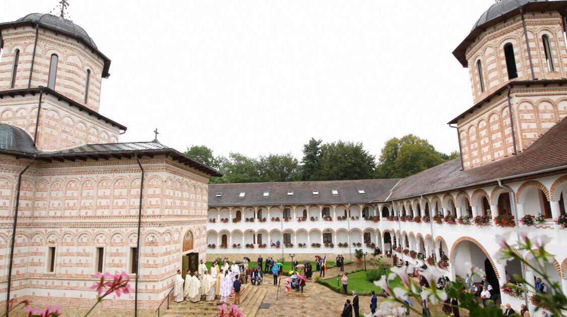 """Domnitorul Mihai Viteazul, comemorat la Mănăstirea """"Mihai Vodă"""" de la Turda, construită pe locul unde a fost asasinat acum 419 ani"""