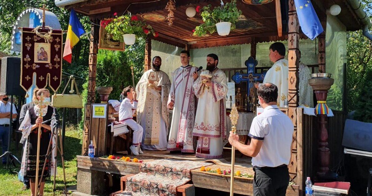 """Episcopul Benedict Bistrițeanul, la Tureni: """"Cine nu se uită la Cer, nu poate să trăiască bine pe Pământ"""""""