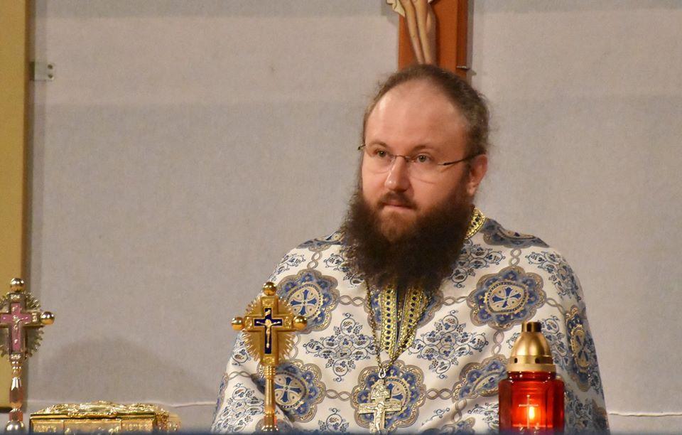 """""""În casa și-n familia în care intră Hristos, aceasta devine Biserică"""", a spus ecleziarhul Catedralei Mitropolitane la Nicula"""