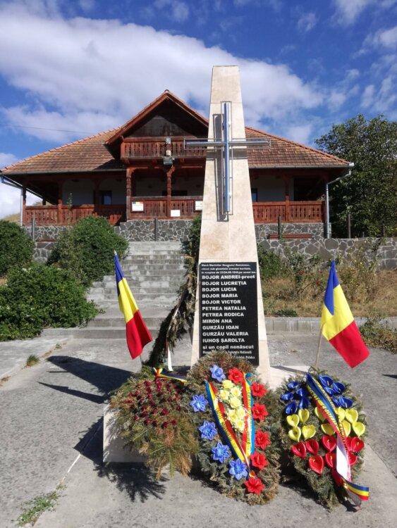 Preotul și localnicii uciși acum 80 de ani de trupele horthyste, comemorați la Mureșenii de Câmpie