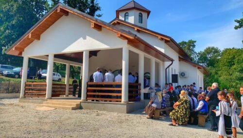 Mitropolitul Clujului a binecuvântat noua capelă mortuară din Silivașu de Câmpie
