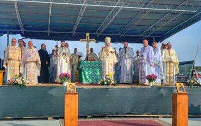 Primul hram al Așezământului pentru copii orfani de la Dorolea | Mitropolitul Andrei a pus piatra de temelie pentru noua biserică