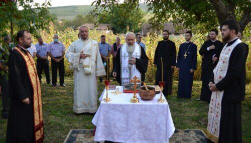 """Mitropolitul Andrei la Răscruci: """"Casa este locul în care noi continuăm liturghia"""""""