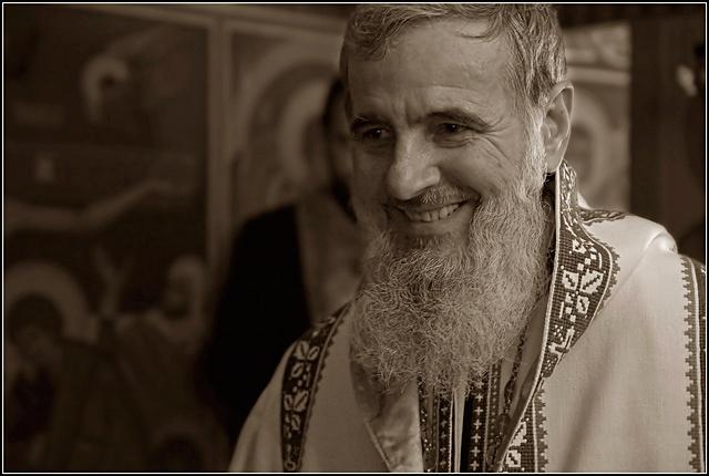 """Preasfințitul Părinte Vasile: """"Să o rugăm pe Maica Domnului să ne acopere cu Cinstitul ei Acoperământ"""""""