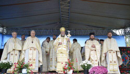 Biserica parohiei Vicea, Protopopiatul Chioar, târnosită Preasfințitul Părinte Iustin