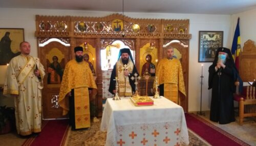 Conferință preoțească de toamnă și lansare de carte în Protopopiatul Huedin | Istoricul Mircea Gheorghe Abrudan a primit Crucea Transilvană