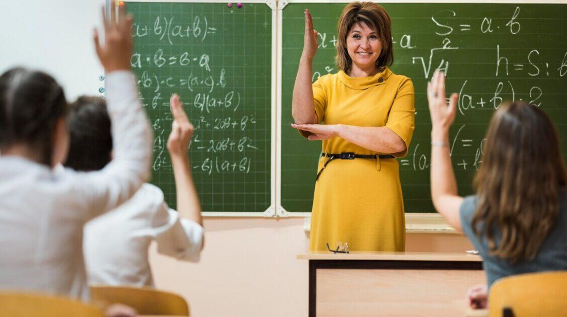 Ziua Internațională a Profesorului: Lumea are nevoie de încă 8,3 milioane de profesori