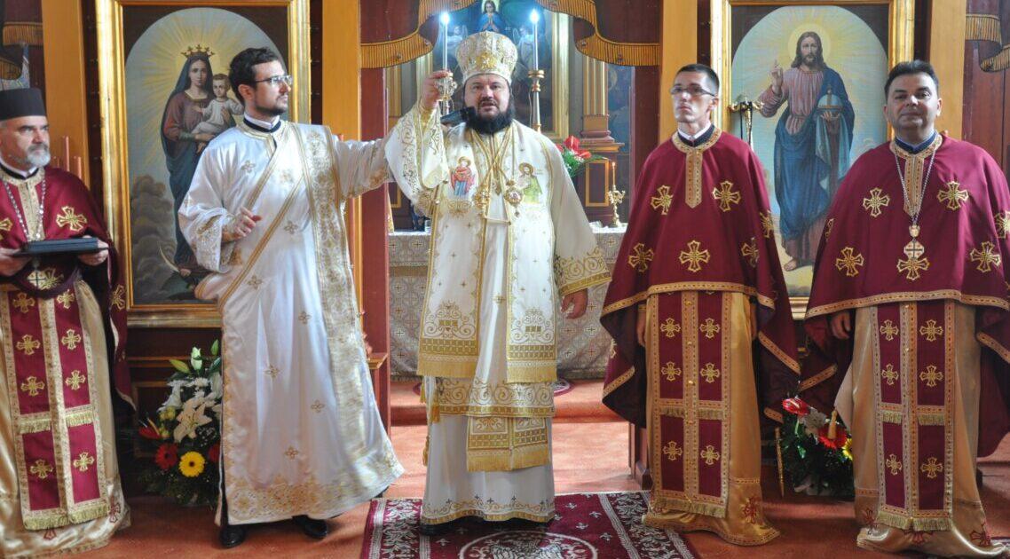 Liturghie Arhierească în Parohia Someș-Odorhei