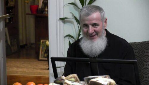 """PS Vasile Flueraș: """"Sfinții Părinți slujeau Sfânta Liturghie în vase de piatră, dar inimile oamenilor erau de aur."""""""
