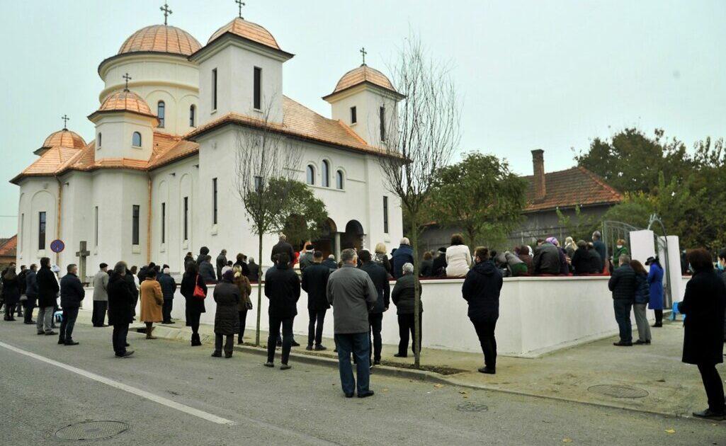 """Parohia clujeană ,,Sfinții Arhangheli Mihail și Gavriil"""" și-a sărbătorit hramul"""