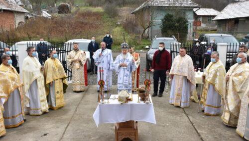 Noua biserică din localitatea clujeană Vișea, sfințită de Mitropolitul Andrei