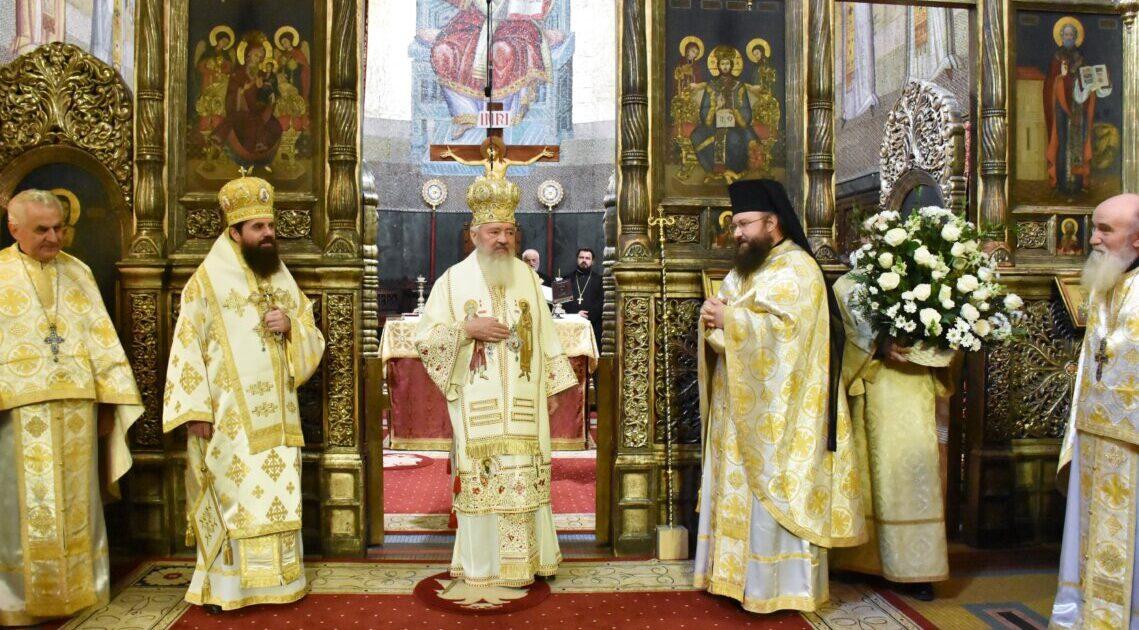 Sfântul Apostol Andrei, sărbătorit la Catedrala Mitropolitană din Cluj-Napoca | ÎPS Andrei și-a cinstit ocrotitorul spiritual