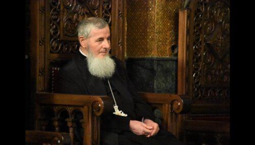 """Preasfințitul Părinte Vasile Flueraș: """"Suntem chemați în această perioadă să sporim, prin menirea noastră de creștini, rugăciunea și milostenia"""""""