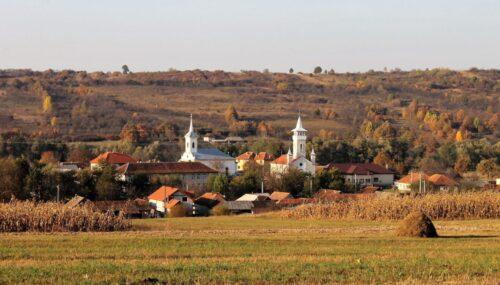 Școala din Plopiș va purta numele arhiepiscopului Justinian Chira