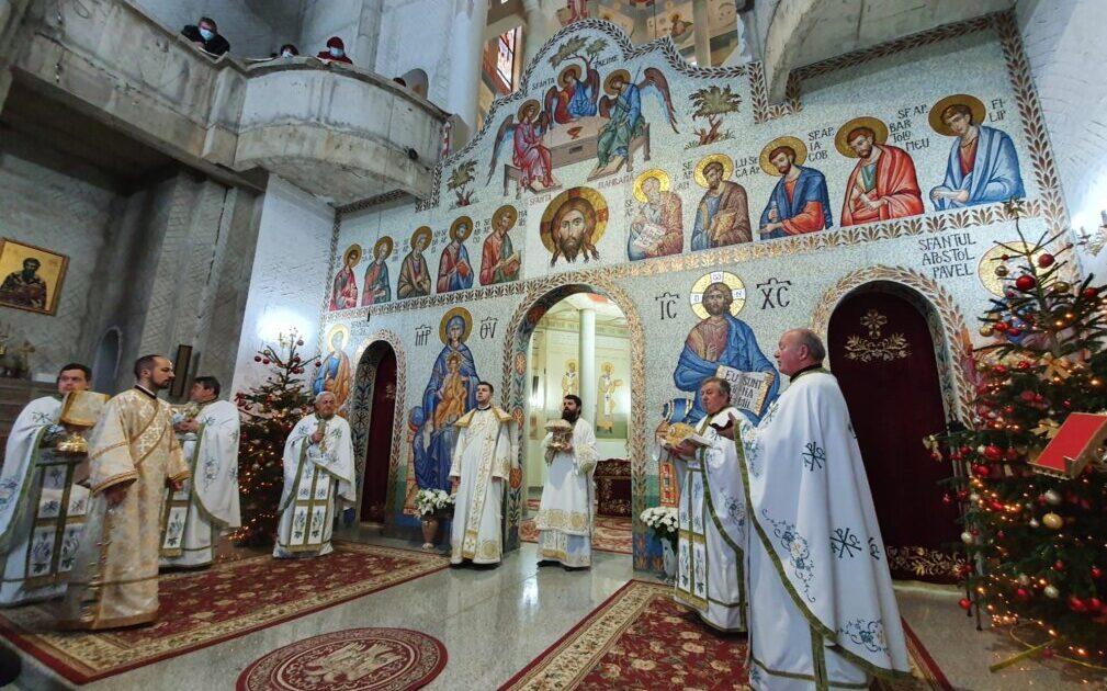 """Sărbătoarea Crăciunului în Parohia """"Sf. Ap. Petru și Pavel"""" din cartierul clujean Mănăștur"""