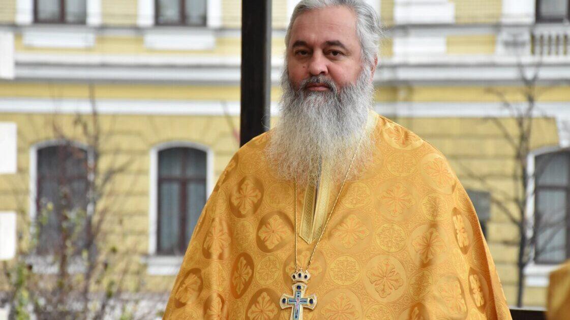 """Arhim. Dumitru Cobzaru: """"Care este slăbiciunea și neputința lui Dumnezeu?"""""""