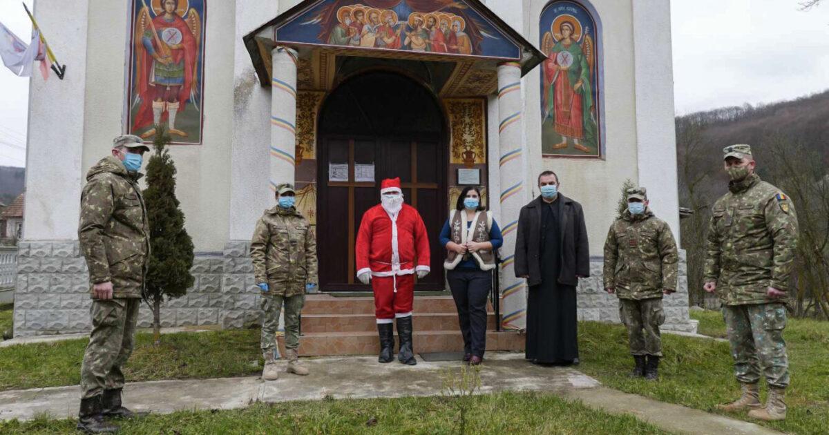 """Dragonii Transilvani"", darnici vestitori ai Nașterii Domnului printre copii"