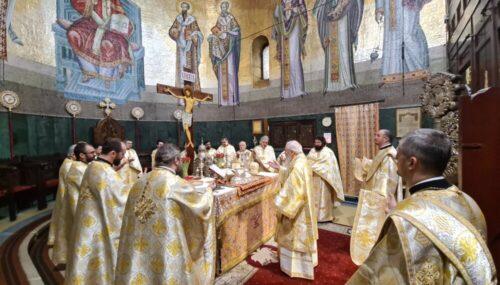 Sfinții Trei Ierarhi, cinstiți de școlile teologice clujene, la Catedrala Mitropolitană