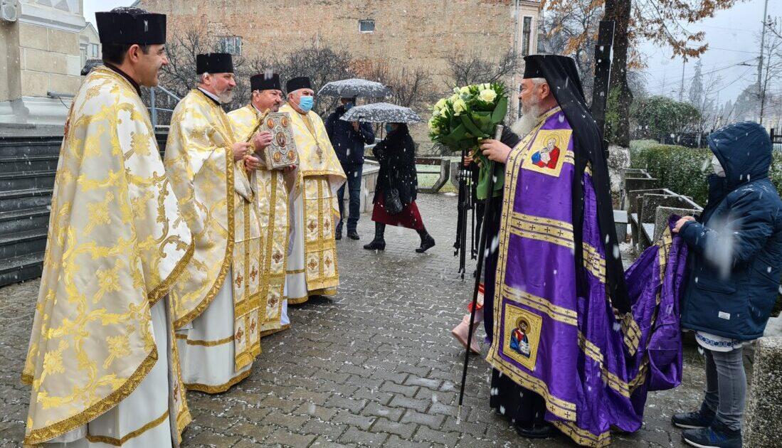 """Hramul Bisericii """"Sfinții Trei Ierarhi"""" din Bistrița, cunoscută și sub denumirea de Catedrala Ortodoxă de pe Odobescu"""