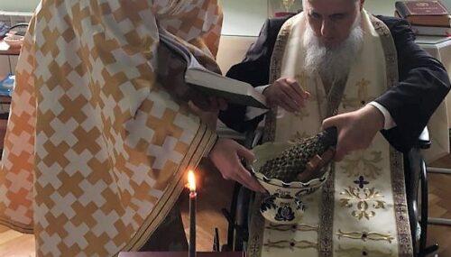"""Preasfințitul Părinte Vasile Flueraș: """"Hristos a venit în lume să ne aducă lumina și bucuria vieții celei veșnice."""""""
