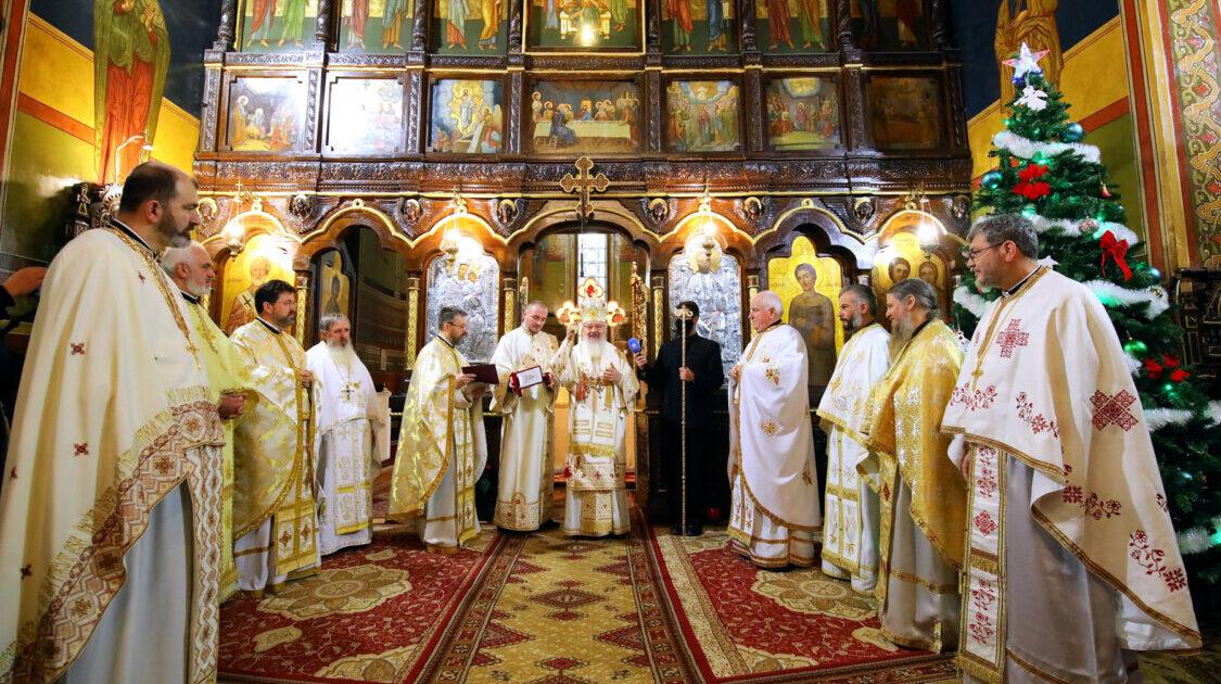 Binecuvântare arhierească la Catedrala din Turda | Pr. Gheorghe Gotea a primit Crucea Transilvană