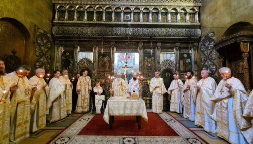 Parastas pentru Episcopul Nicolae Ivan și Mitropolitul Bartolomeu Anania, la Catedrala Mitropolitană