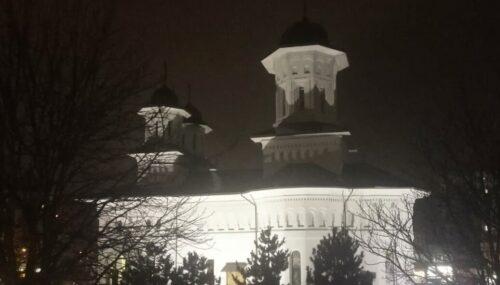 """IPS Andrei a citit ultima parte a Canonului cel Mare la Biserica """"Sf. Arh. Mihail"""" din Cluj-Napoca"""