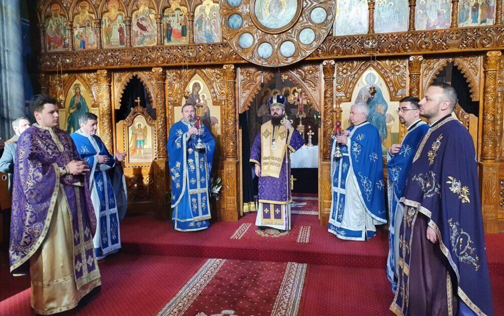 Liturghia Darurilor mai înainte sfințite, la Biserica de la Coroana