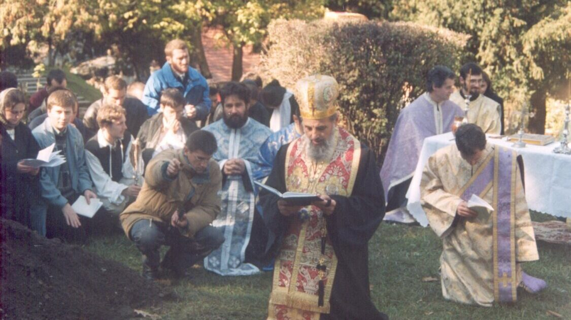 """Preasfințitul Părinte Vasile: """"Să nu lăsăm chemarea lui Hristos spre Biserică să treacă neîmplinită"""""""