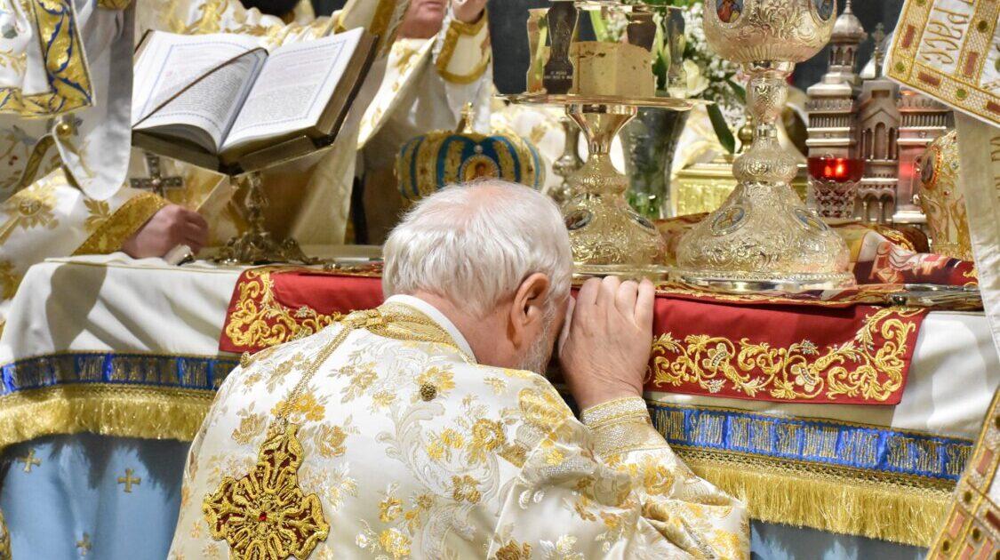 Lucrarea de vindecare, Domnul Iisus Hristos şi-o continuă până la sfârşitul veacurilor în Biserică