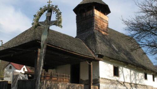 Vechi biserici de lemn călătoare din județul Cluj