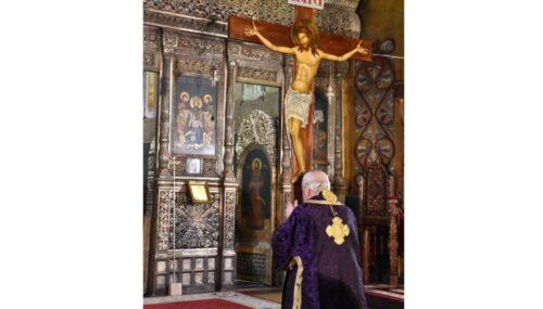 Răstignire și Înviere