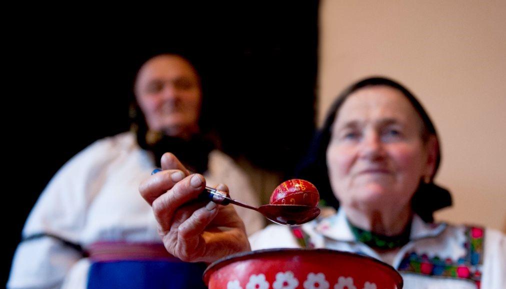 """""""Viața ca o sărbătoare"""", expoziție de fotografie etnografică, vernisată la Cluj-Napoca"""